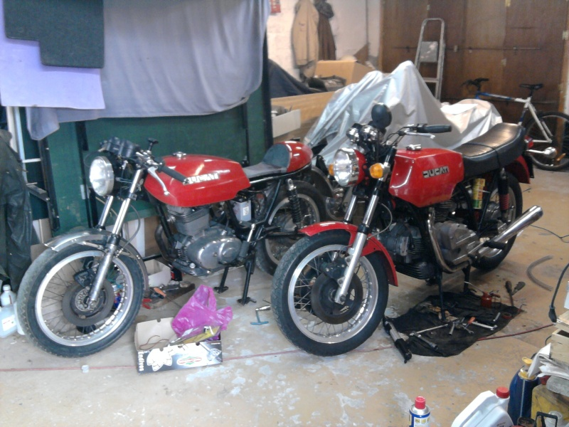 """Projet BMW """"old racer"""" - Page 2 Ducati10"""