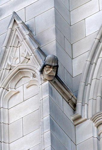 La cathédrale la plus étrange se trouve à New York 14712710