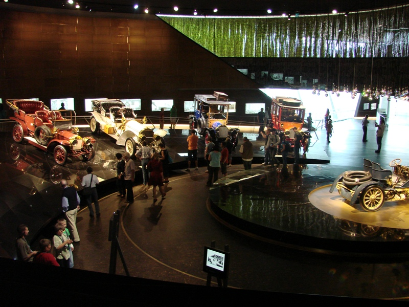 musée - [Photos] Le Mercedes-Benz Museum de Stuttgart 23010