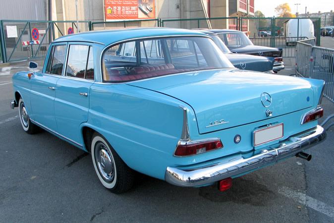 "[Historique] La Mercedes-Benz W110 ""Kleine Heckflosse"" 1961 - 1968 Brf20013"