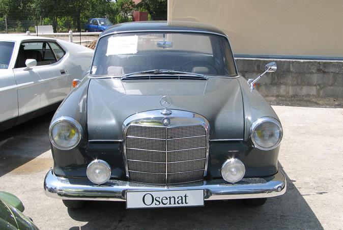 "[Historique] La Mercedes-Benz W110 ""Kleine Heckflosse"" 1961 - 1968 Osenat10"