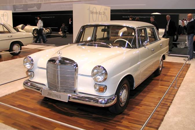 "[Historique] La Mercedes-Benz W110 ""Kleine Heckflosse"" 1961 - 1968 Techno16"