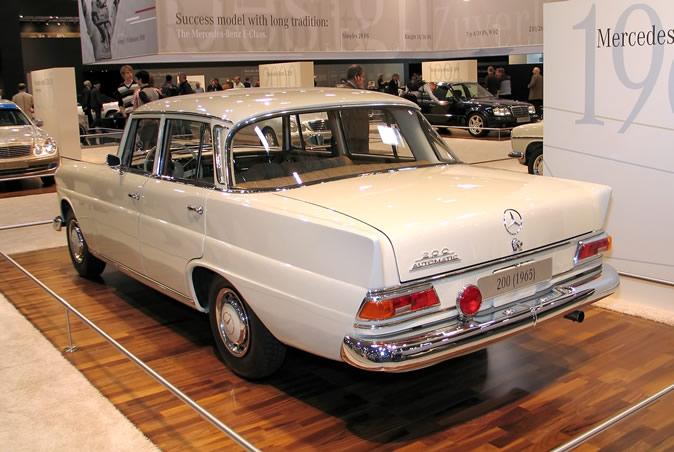 "[Historique] La Mercedes-Benz W110 ""Kleine Heckflosse"" 1961 - 1968 Techno17"