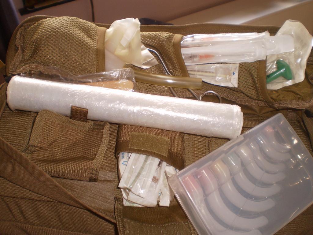 Le kit medical de Montargie au boulot (sphère 1 & 2 ) Pa180013