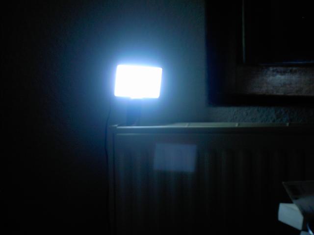 Fabriquer une lampe de chevet avec une dalle psp cassé Pict0210