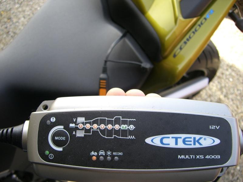 Chargeur batterie et câble permanent Cimg2412