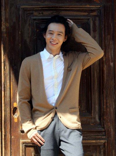 Fotos de Yoochun en entrevista 152