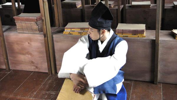 Yoochun filmando SungKyunKwan Scandal 4102