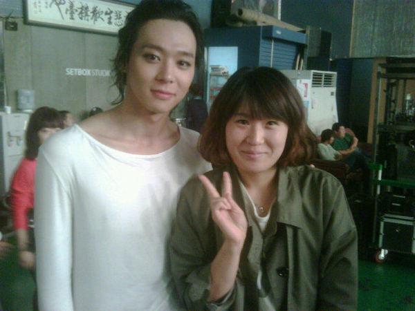 Yoochun con… alguien…? Aaaaaa11