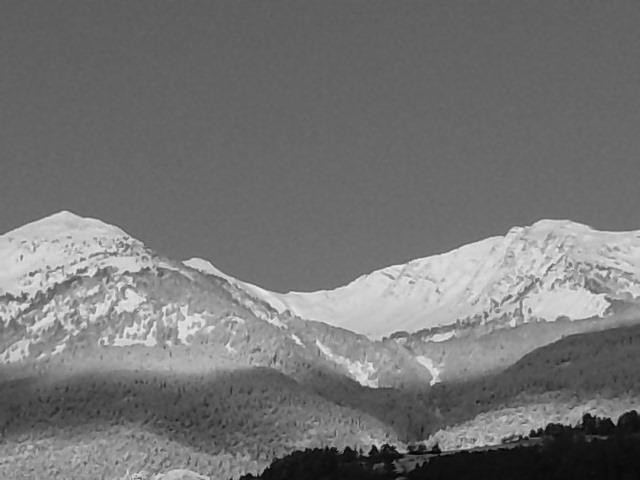 Montagne en noir et blanc!! P0112010