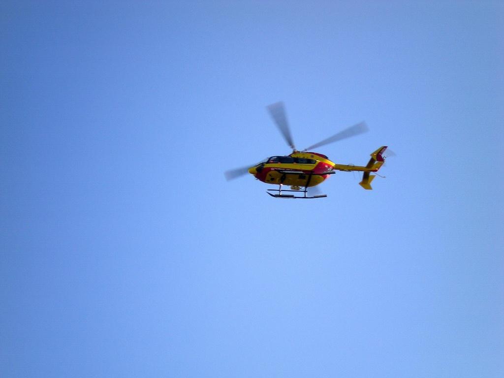 [Concours n°4] Les hélicoptères (vos préférés) Dscn2011