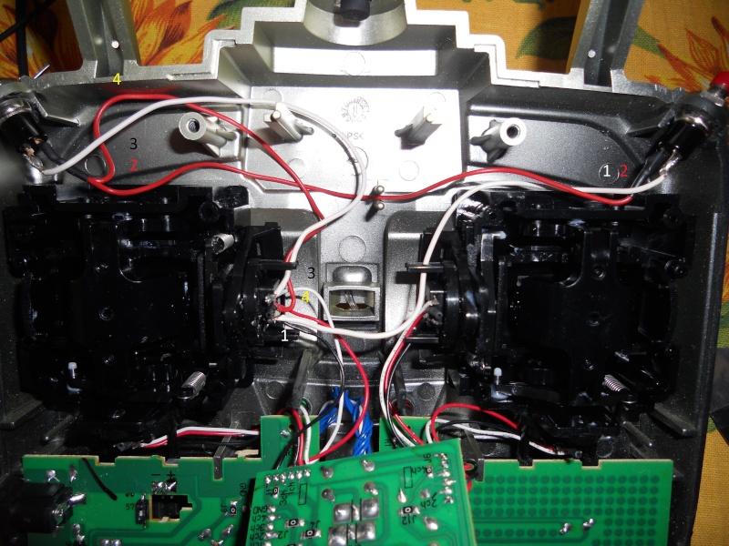 """Installazione Tasti """"Sparo Rapido"""" su Radiocomando Futaba Skysport 4ch 2.4 Ghz Radio_10"""