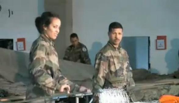 Parachutistes Militaires Marocains / Moroccan Paratroopers - Page 7 Sans_t10