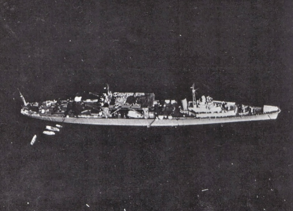 Porte-avions japonais - Page 4 Chiyod11