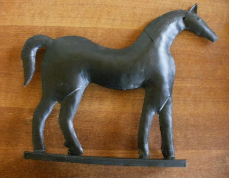 cheval en tole déco P8080110