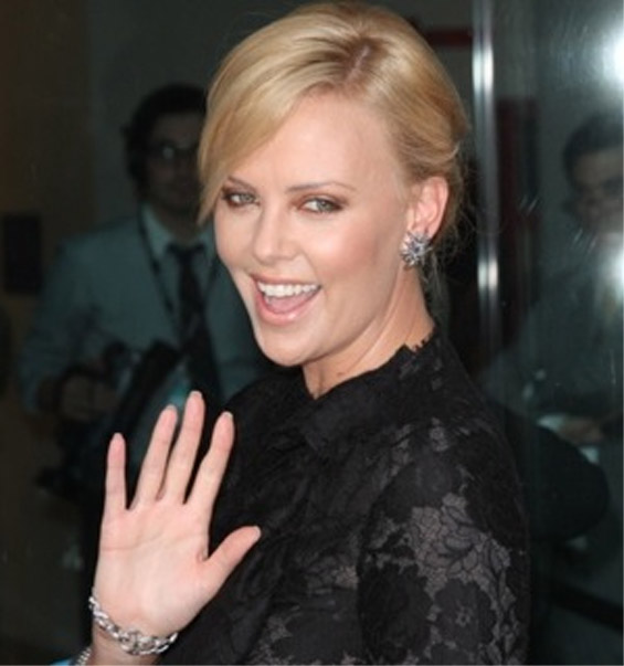 CHARLIZE THERON - First African Oscar winning actress! Charli10