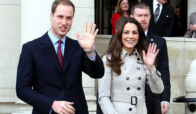 ROYAL HANDS - Prince William & Kate Middleton vs Prince Charles & Lady Diana! Prince10