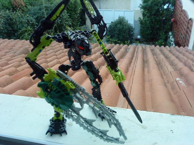 [Moc] Défis: construit le skrall de Bionicle mini echoe. Dsc01920