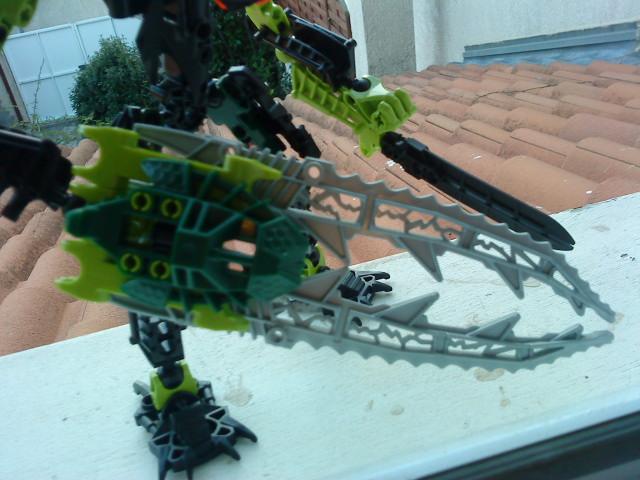 [Moc] Défis: construit le skrall de Bionicle mini echoe. Dsc01921