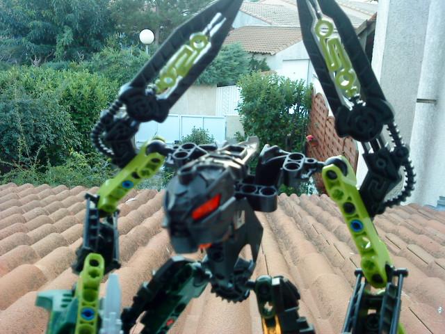 [Moc] Défis: construit le skrall de Bionicle mini echoe. Dsc01924
