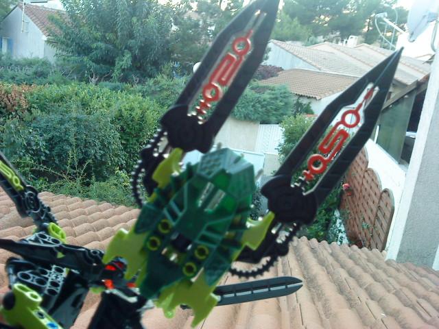 [Moc] Défis: construit le skrall de Bionicle mini echoe. Dsc01925
