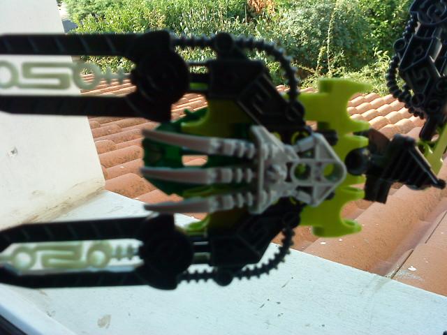 [Moc] Défis: construit le skrall de Bionicle mini echoe. Dsc01930