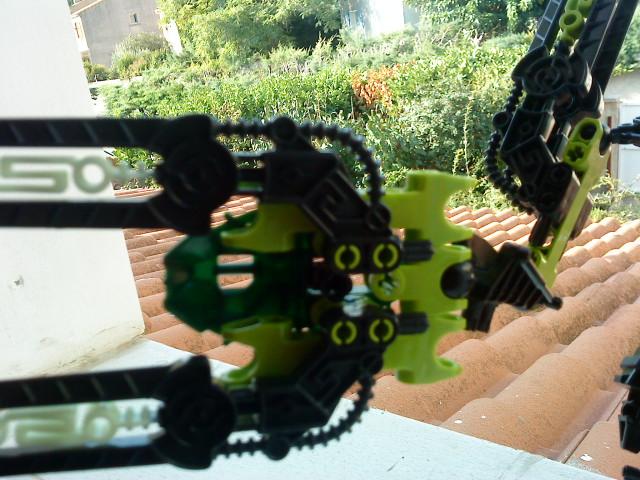 [Moc] Défis: construit le skrall de Bionicle mini echoe. Dsc01931