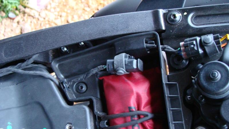 Chargeur batterie/mainteneur de charge Ducati Dsc03110
