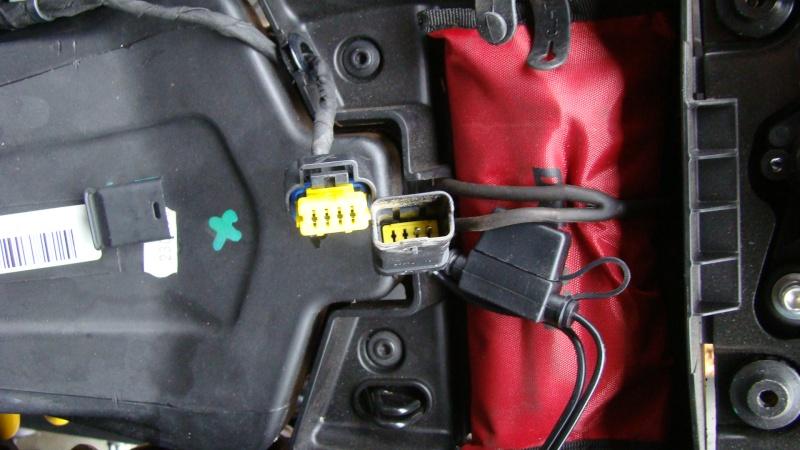 Chargeur batterie/mainteneur de charge Ducati - Page 3 Dsc03111