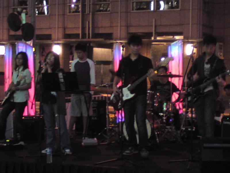 Natsukashii 3rd Live @ Orchard Cineleisure - Page 2 Dsc00412