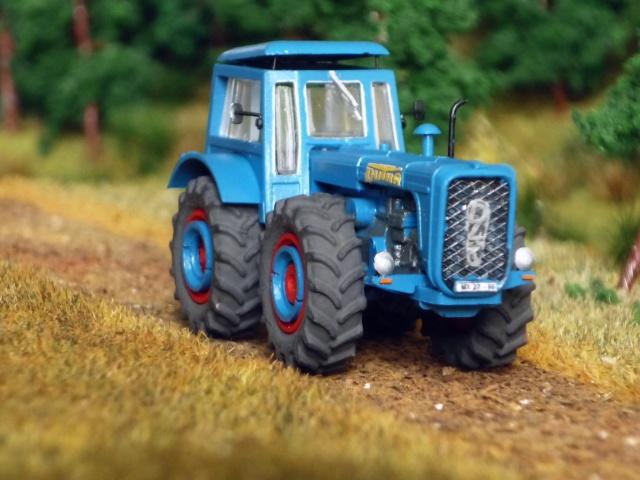 Traktor DUTRA D4K P1140810