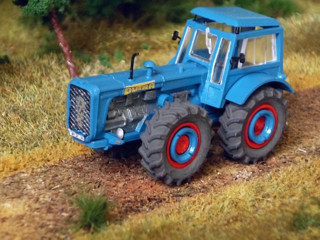 Traktor DUTRA D4K P1140811