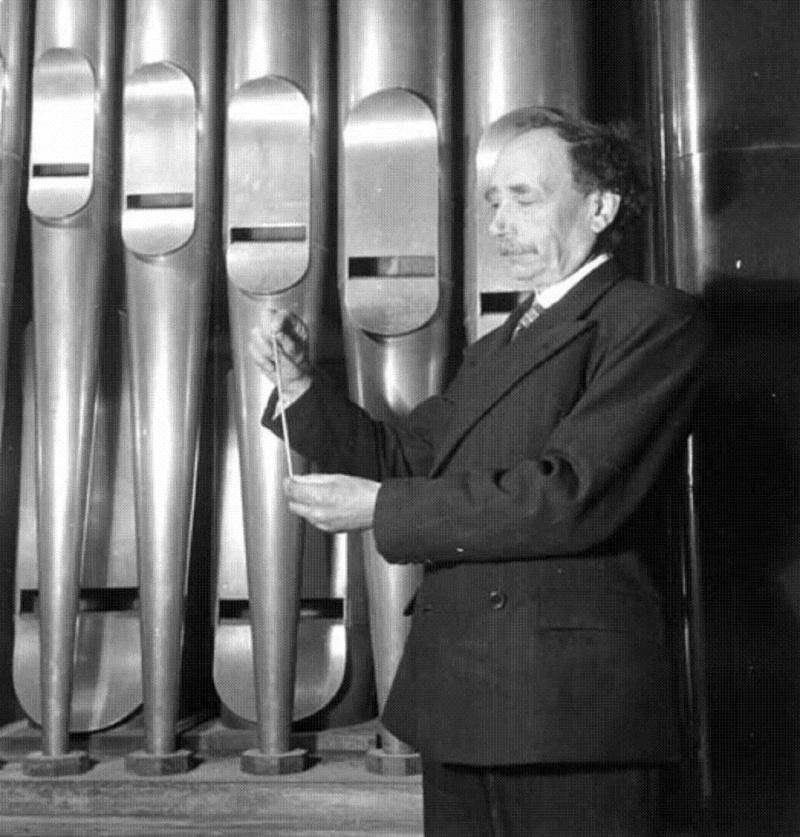 Découvrir l'orgue par le disque - Page 2 Victor10