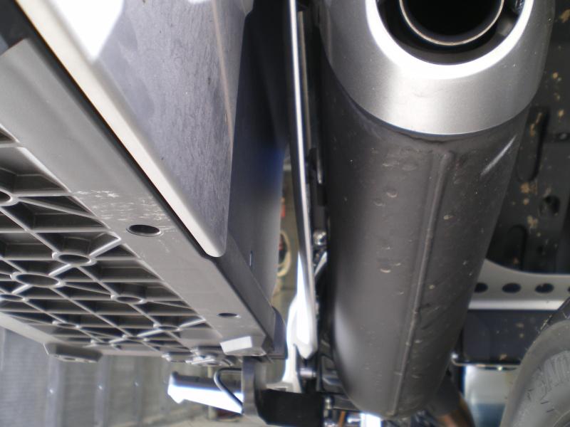 Fixation des valises d'origine sur la XTZ1200 First Edition Imgp1426