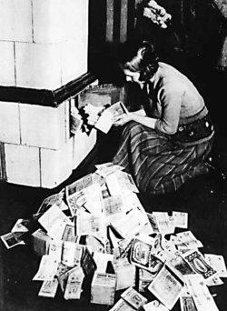 inflation / Hyper Inflation /hyper stagflation / le spectre de Weimar , infos en continu 250px-10