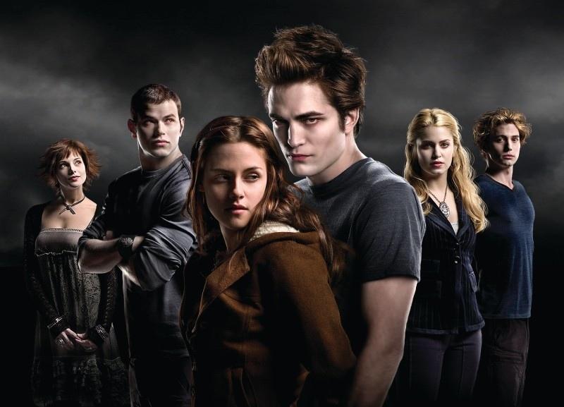 Twilight: Oooo Sparkling Vampires...(Spoilers) Twilig10