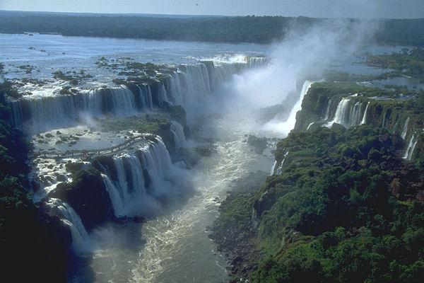 Le BAR M'AIDE (3) - Page 2 Iguazu10