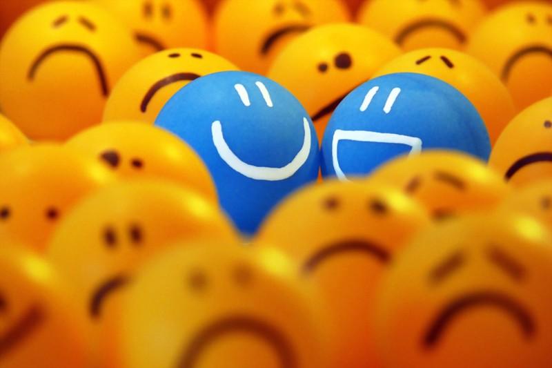 VOTEZ- Votre plus belle photo au salon de la Photo - PHASE 2 - Page 2 Smiley10