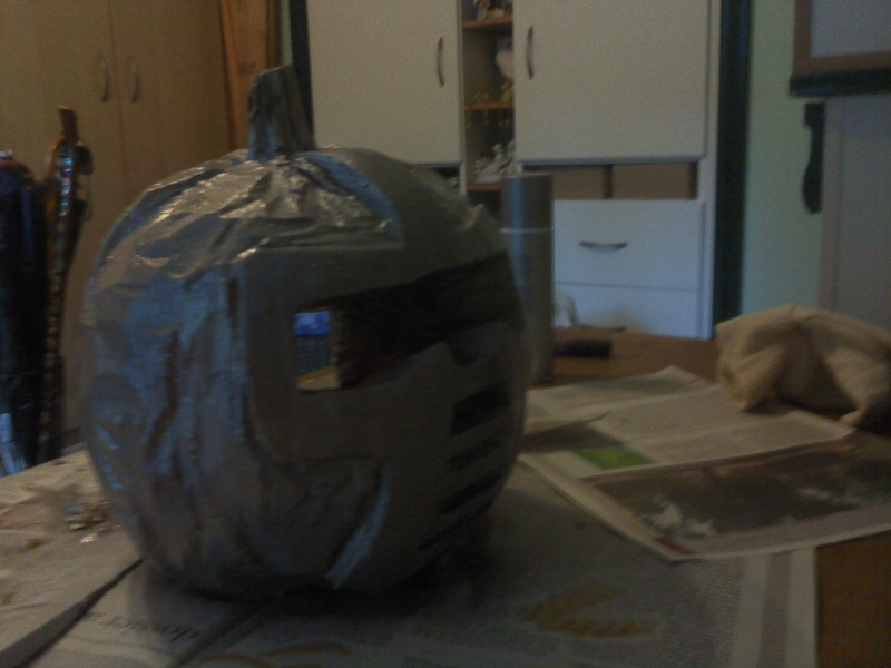 Ma citrouille cylon pour Halloween ^^ P3010112
