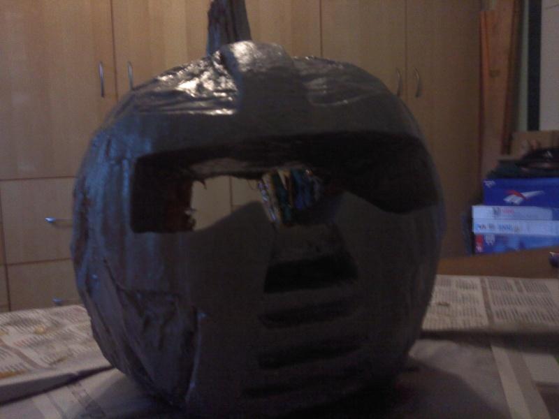 Ma citrouille cylon pour Halloween ^^ P3010113