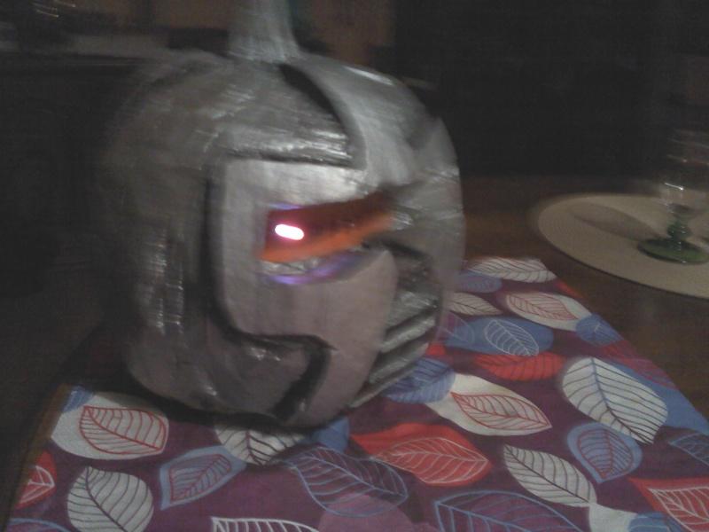 Ma citrouille cylon pour Halloween ^^ P3010116