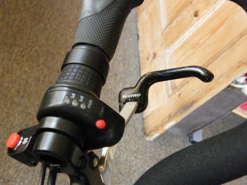 Extension pour poignée de frein [Trouvée!] 25959610