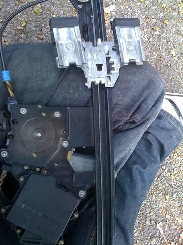 Réparer et renforcer les lèves vitres arrières Img_0510
