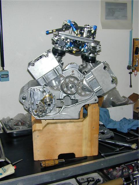les plus beaux moteurs - Page 2 Getatt10