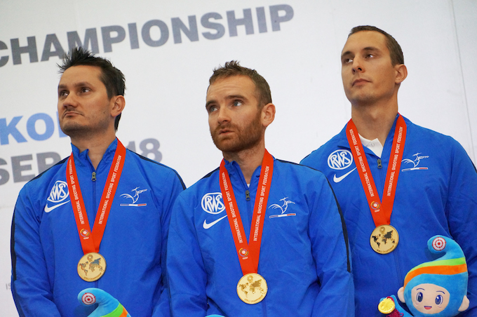 Une bien belle équipe Championne du monde à 300m en Corée  Cdm_is11