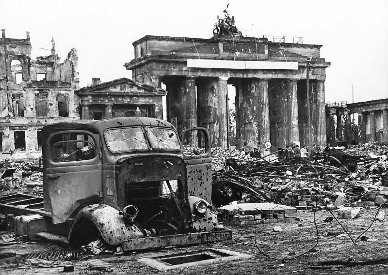 Diverses photos de la WWII - Page 37 Brande10
