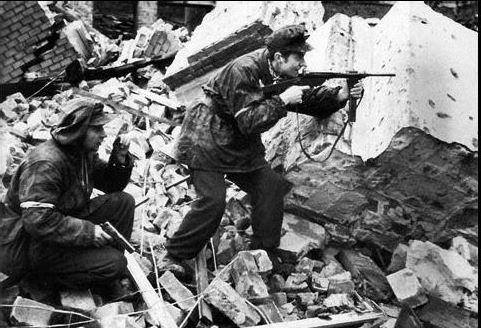 Diverses photos de la WWII - Page 40 Captu153