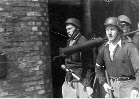 Diverses photos de la WWII - Page 40 Captu155