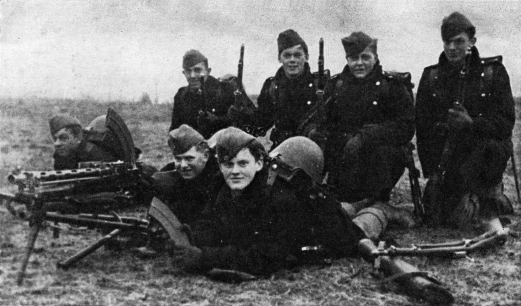 Diverses photos de la WWII (fichier 8) - Page 38 Danish10