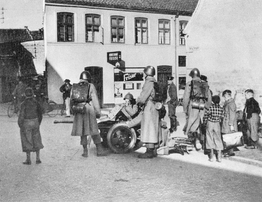 Diverses photos de la WWII (fichier 8) - Page 38 Five-d10